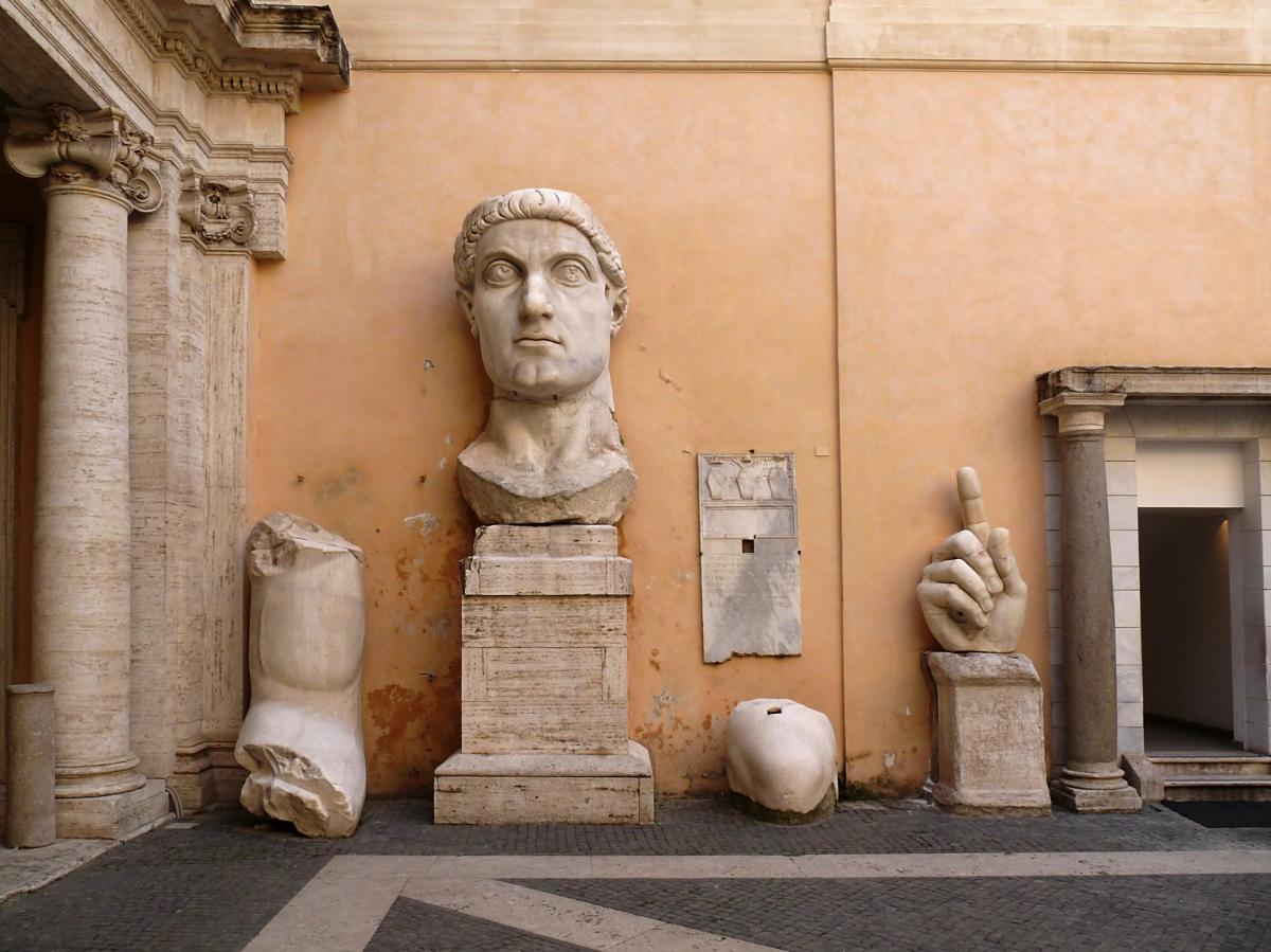 Le dernier Empereur romain, en pièces détachées