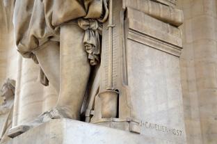 Détail de la statue de Blaise Pascal © Damien Tellas
