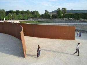 "Richard Serra, ""Clara Clara"" Paris, 1983."
