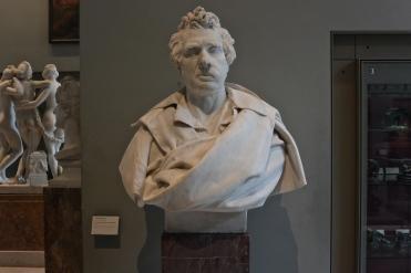 Louis-David, peintre. Marbre exécuté en 1838 pour la galerie des peintres du Louvre