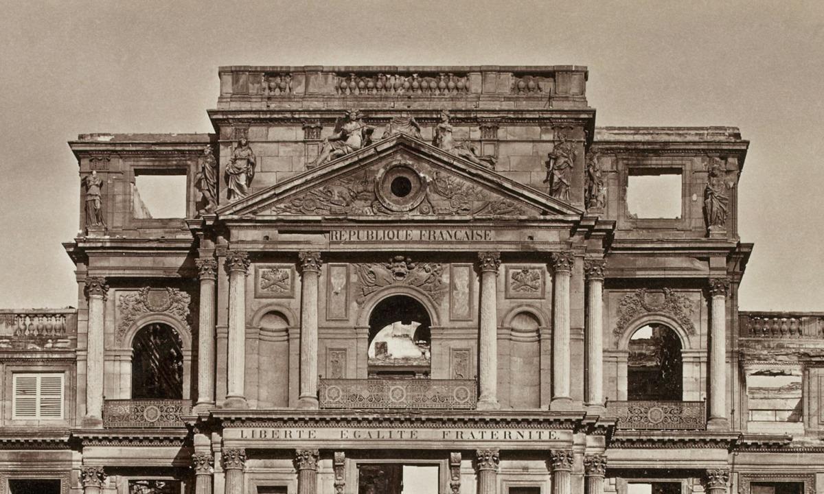 [Lieux inexplorés du Louvre] Le fronton du palais des Tuileries