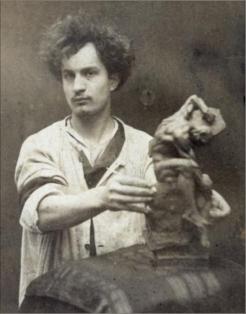Achille Bouïs, vers 1883, Aristotype, Paris, musée Bourdelle.