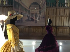 Costumes de scènes, inspiration impériale