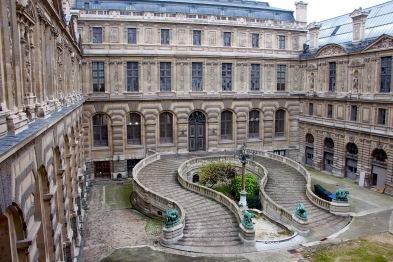 Palais du Louvre, Façade est de la cour Lefuel et entrée du Manège, v. 1850. © Commons-Wikimedia / Sailko.