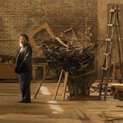 Ai Weiwei dans son studio de Pékin, Image Courtesy Ai Weiwei, © Ai Weiwei
