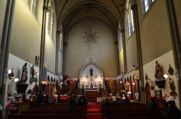 Intérieur de l'église Sainte-Rita, Paris, 1e.
