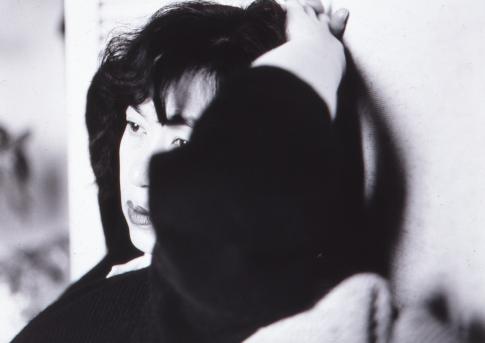 Voyage à Tokyo (Tokyo Story) 1989 épreuve argentique noir et blanc H. 50 cm ; L ; 60 cm kamel mennour, Paris, inv. NA166 © Nobuyoshi Araki/Courtesy kamel mennour, Paris
