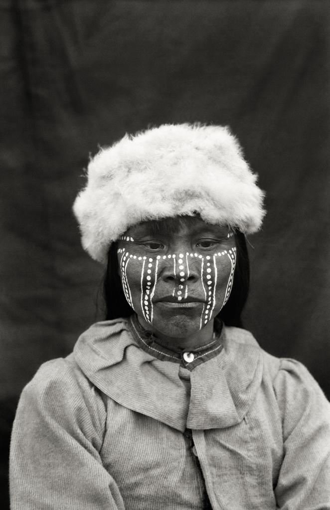 Peintures de deuil. Yamana, 1919-1924 © Martin Gusinde / Anthropos Institut / Éditions Xavier Barral